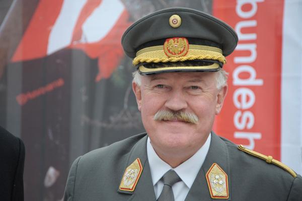 Generalleutnat Raimund Entacher